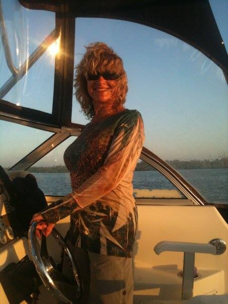 Captain Cathy Eagle Boat Tours: Captain Cathy at the Helm (image)